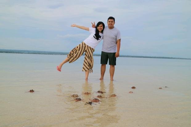 الشاطئ الوردي في جزيرة لومبوك اندونيسيا