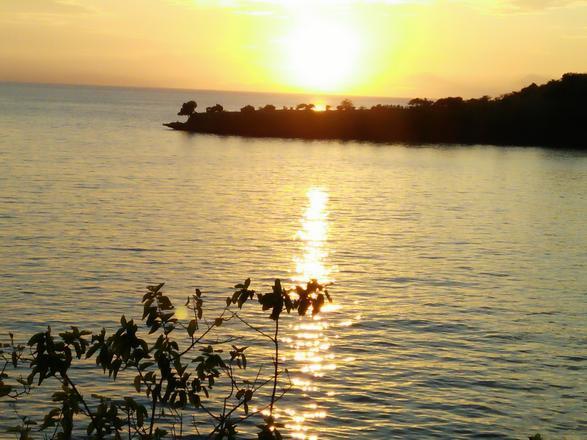 الشاطئ الوردي في لومبوك اندونيسيا