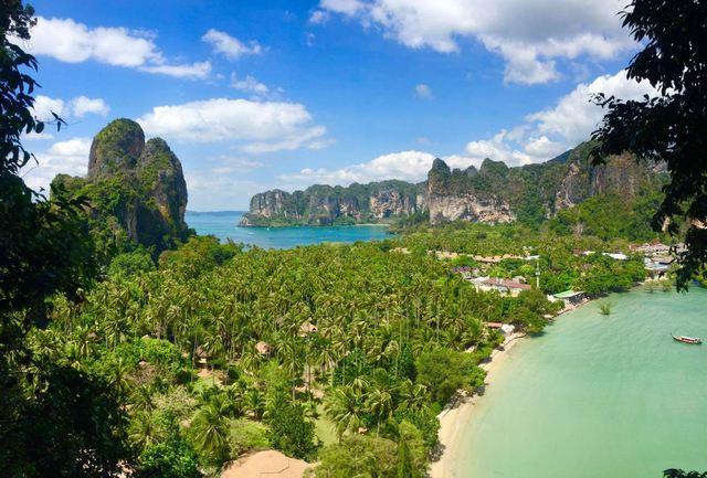 شاطئ رايلي في كرابي تايلاند