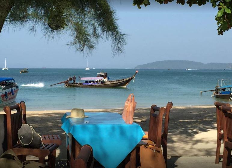 شاطئ رايلي من اهم اماكن السياحة في تايلاند كرابي