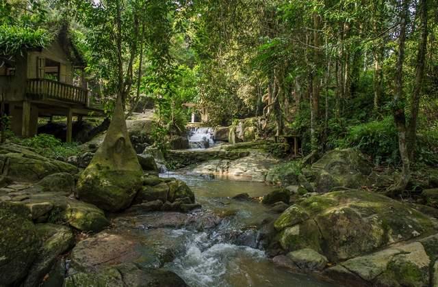 حديقة بوذا السرية في تايلاند كوساموي