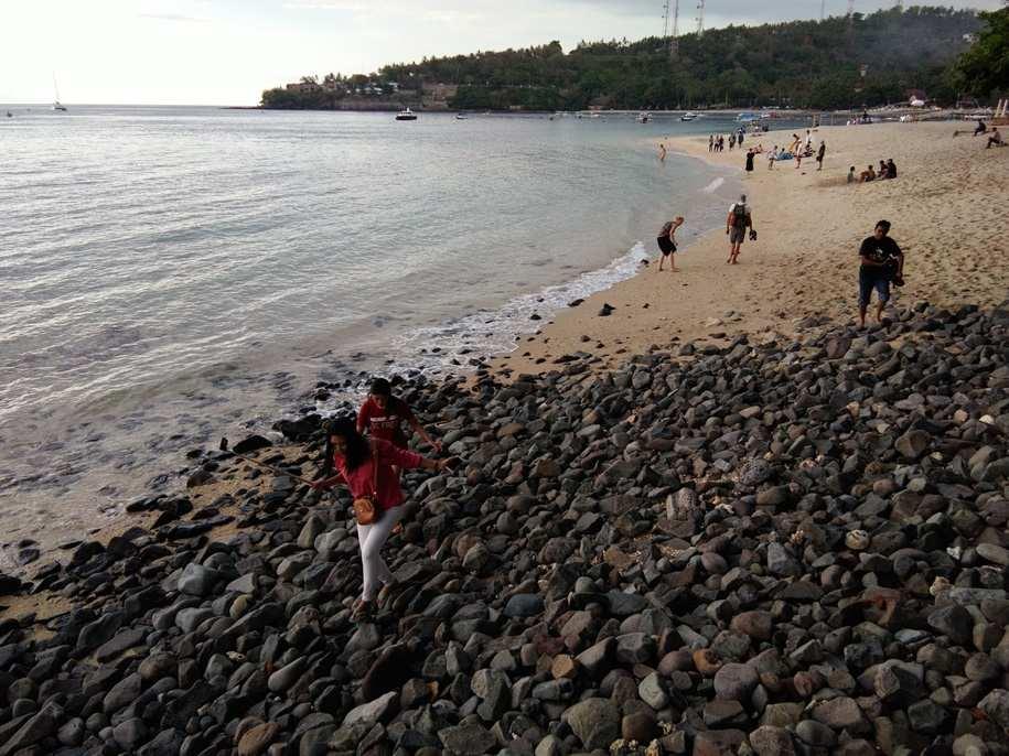 شاطئ سنجيجي لومبوك اندونيسيا