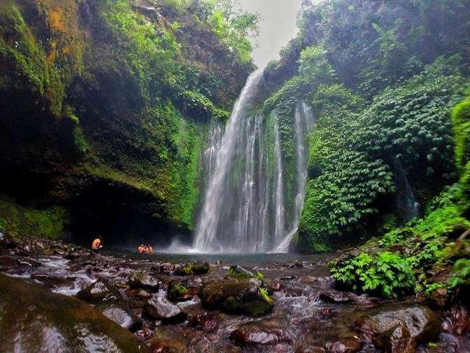شلال تيو كليب في اندونيسيا لومبوك