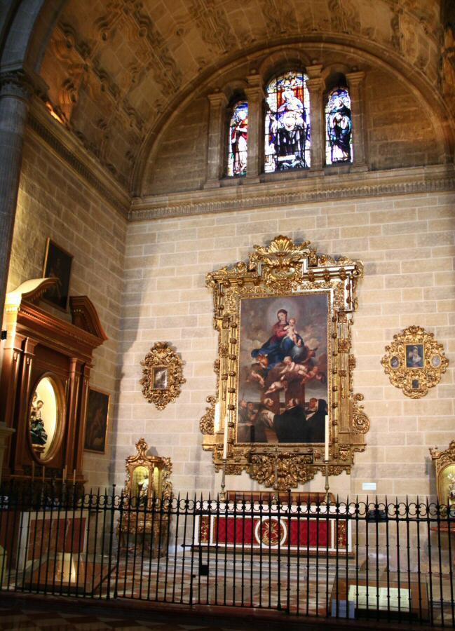 كاتدرائية ملقا من اجمل معالم مدينة ملقا السياحية في اسبانيا