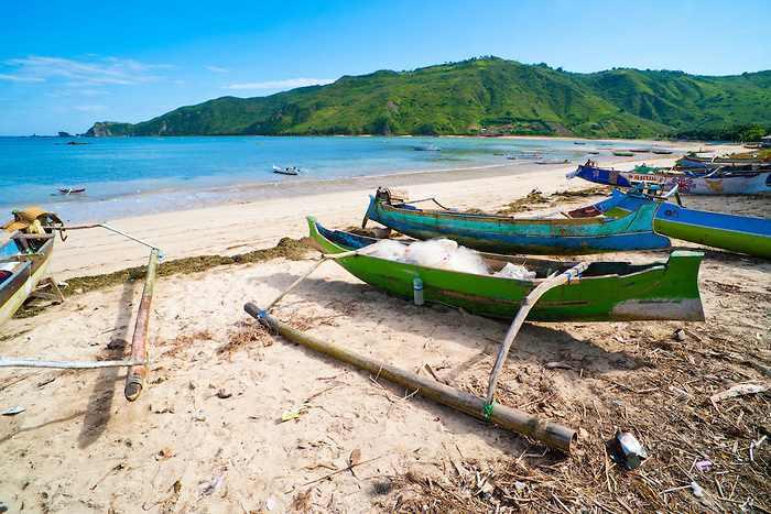شاطئ كوتا في لومبوك اندونيسيا
