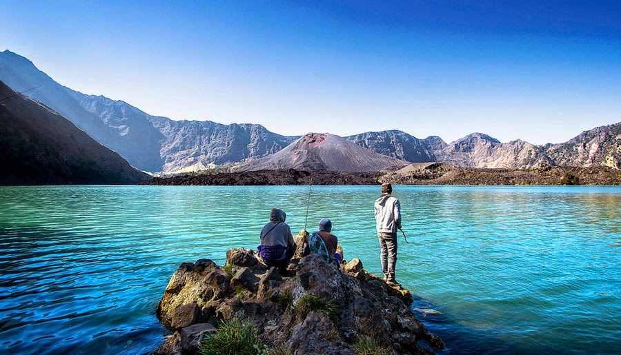 جبل رينجاني في لومبوك اندونيسيا