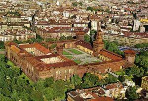 قلعة سفورزيسكو في ايطاليا ميلان