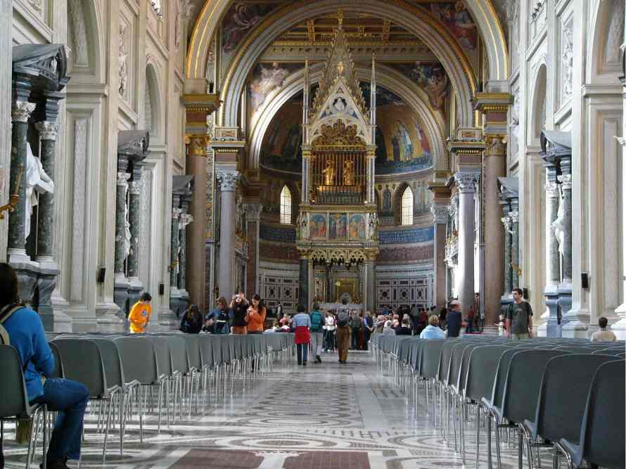 كنيسة سان جيوفاني إن لاتيرانو روما