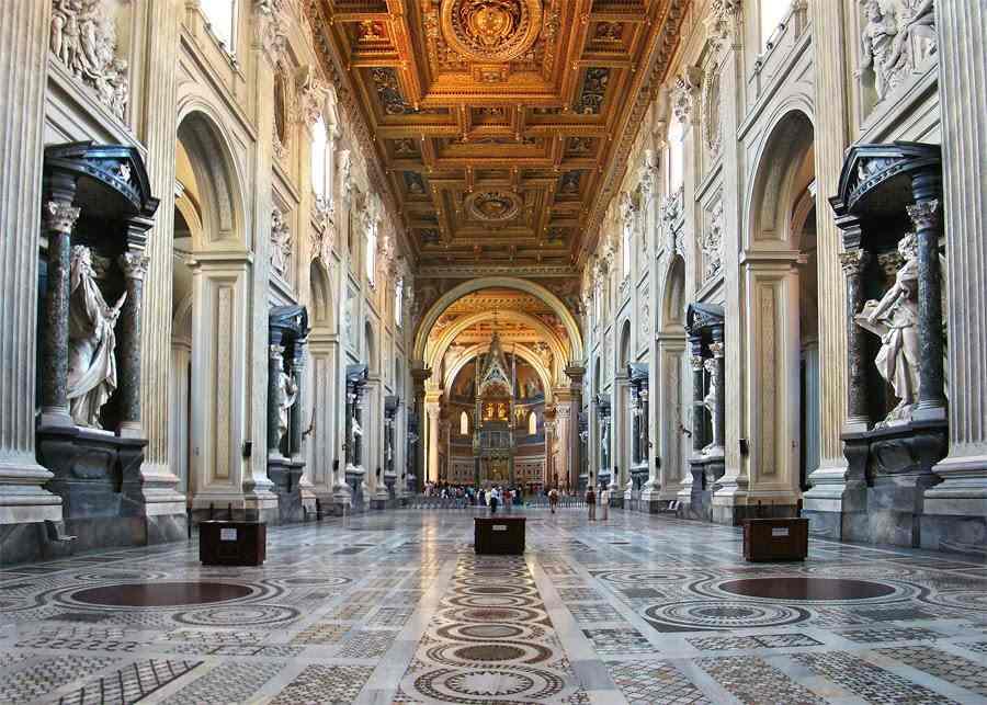 كنيسة سان جيوفاني إن لاتيرانو روما ايطاليا