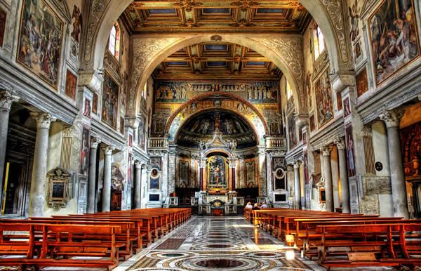 كنيسة سانتا ماريا في روما ايطاليا