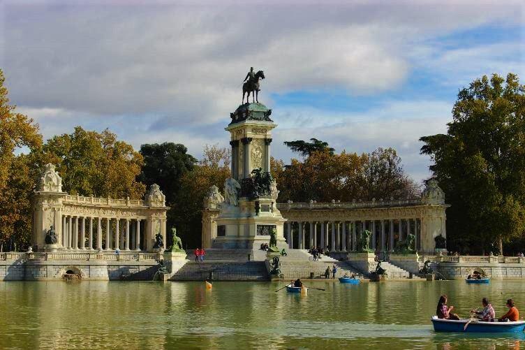 حديقة ريتيرو من اجمل اماكن السياحة في مدريد