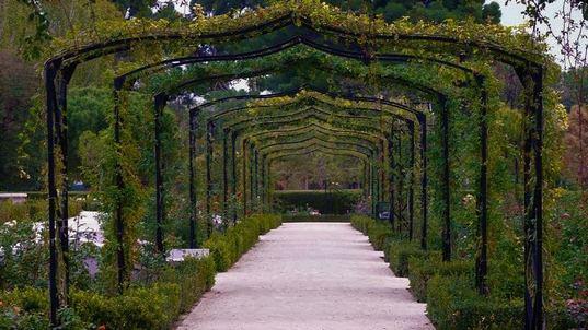 حديقة ريتيرو من اجمل معالم السياحة في مدينة مدريد