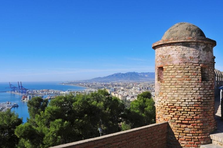 قلعة جبل المنارة من اجمل اماكن السياحة في ملقا