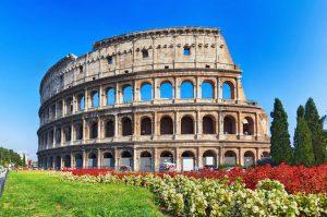 الكولوسيوم في روما ، من اشهر معالم مدينة روما السياحية