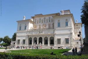 متحف بورغيزي من اشهر معالم السياحة في روما ايطاليا
