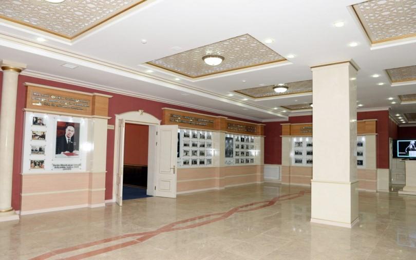 مركز حيدر علييف من اهم الاماكن السياحية في باكو اذربيجان