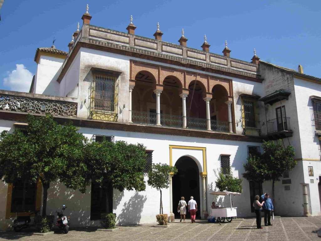 قصر كاسا دي بيلاتوس اشبيلية اسبانيا