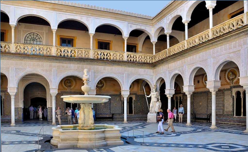 قصر كاسا دي بيلاتوس من اجمل اماكن السياحة في اسبانيا اشبيلية