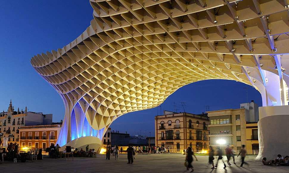 متروبول الشمسية الملونة من اجمل اماكن السياحة في اسبانيا اشبيلية