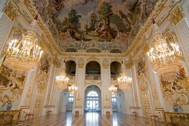 قصر نيمفنبورغ ميونخ المانيا
