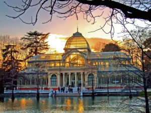 قصر الكريستال مدريد من اجمل معالم مدينة مدريد السياحية اسبانيا