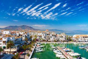 ميناء بويرتو بانوس من اجمل اماكن السياحة في مدينة ماربيا اسبانيا