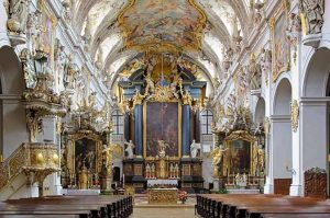 كنيسة سان بطرس ميونخ المانيا
