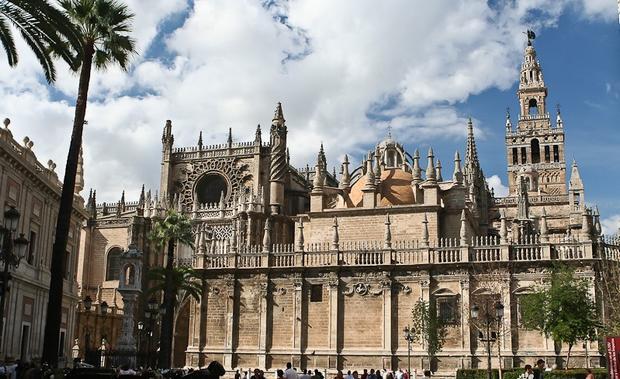 كاتدرائية اشبيلية اسبانيا