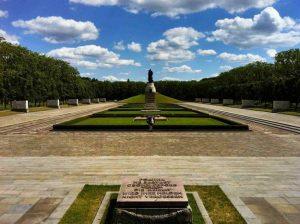 حديقة تريبتاور من اجمل حدائق برلين المانيا