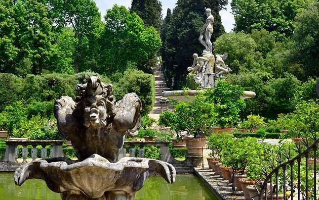 حدائق بوبولي في فلورنسا الايطالية