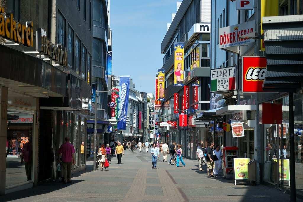 شارع هوخ ستراسه في كولون المانيا
