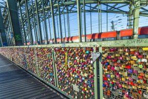 جسر اقفال الحب في كولون المانيا
