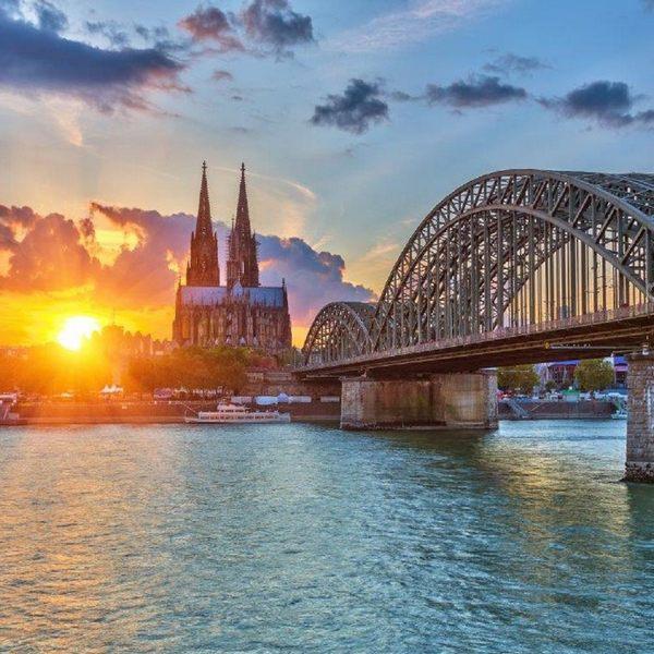 جسر اقفال الحب في كولن المانيا