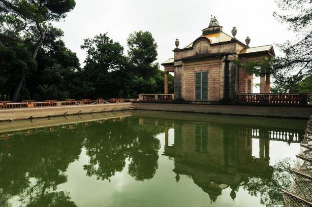 حديقة متاهة هورتا من اجمل اماكن السياحة في اسبانيا برشلونة
