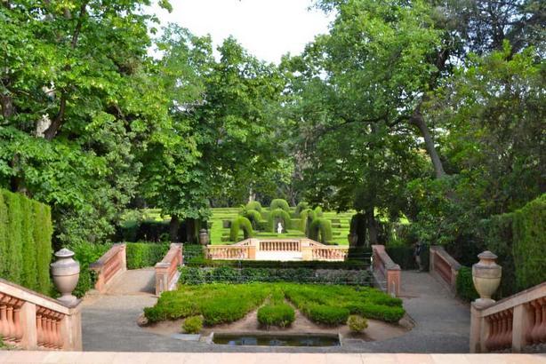 حديقة متاهة هورتا في برشلونة اسبانيا