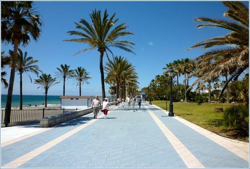 شاطئ ماربيا من اجمل اماكن السياحة في ماربيا اسبانيا