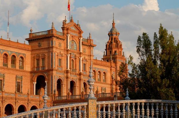 حديقة ماريا لويزا من اجمل اماكن السياحة في اسبانيا اشبيلية