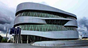 متحف مرسيدس بنز في شتوتغارت المانيا