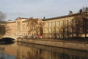 متحف برلين الجديد من اهم الاماكن السياحية في برلين المانيا