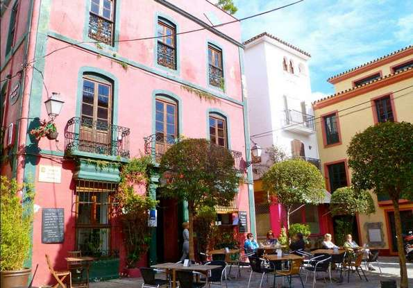 البلدة القديمة من اجمل الاماكن السياحية في ماربيا اسبانيا