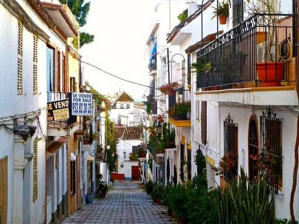 البلدة القديمة من اجمل معالم مدينة ماربيا اسبانيا