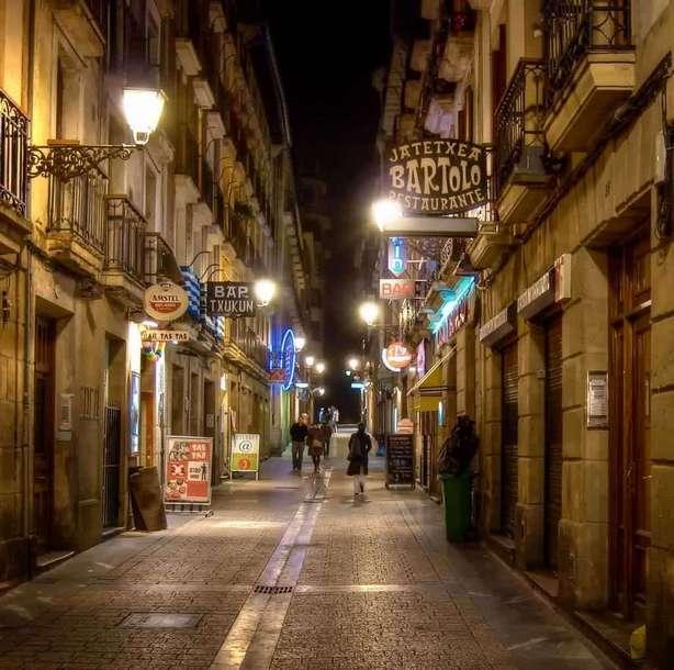 البلدة القديمة من اجمل معالم مدينة ماربيا في اسبانيا