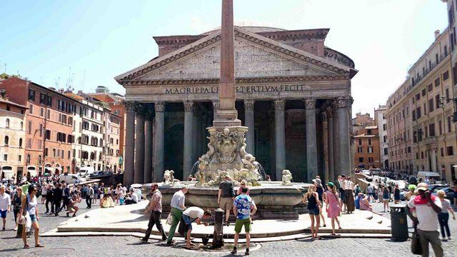 معبد البانثيون روما من اشهر معالم روما السياحية