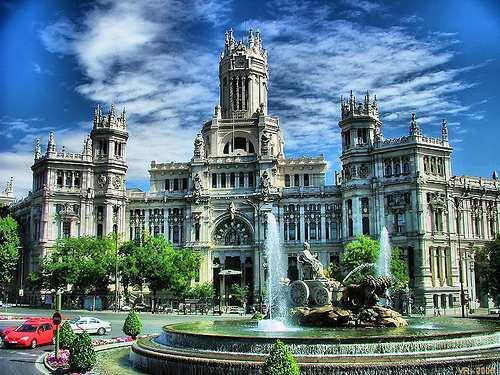 بلازا دي سيبيليس من معالم مدينة مدريد اسبانيا السياحية