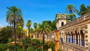 قصر المورق من اهم معالم مدينة اشبيلية السياحية في اسبانيا