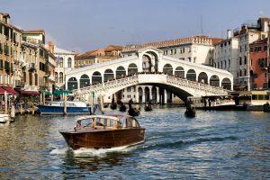 جسر ريالتو فينيسيا ايطاليا