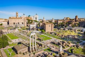 المنتدى الروماني من اشهر اماكن السياحة في روما ايطاليا