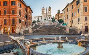 الدرج الاسباني في روما من اشهر معالم مدينة روما الايطالية