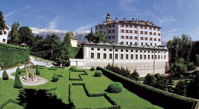 قلعة امبراس من اجمل الاماكن السياحية في انسبروك
