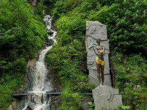 منتزه المياه المعدنية من اجمل اماكن السياحة في بورجومي جورجيا